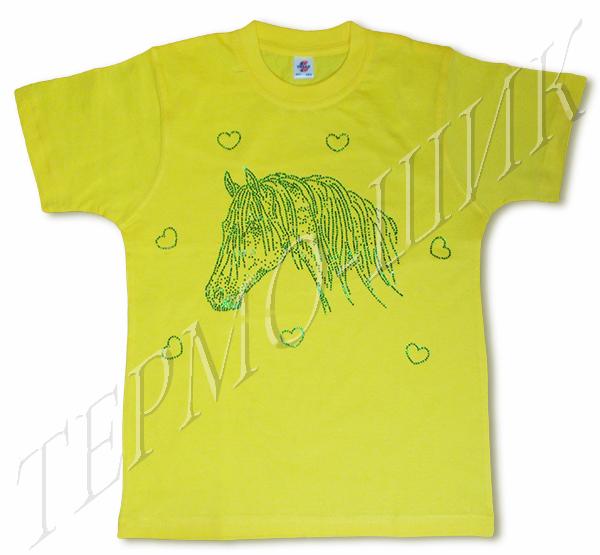 Зелёная футболка с головой лошади из страз